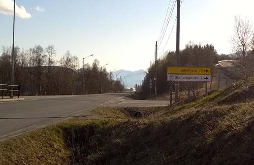 Road sign to Jøkelfjord